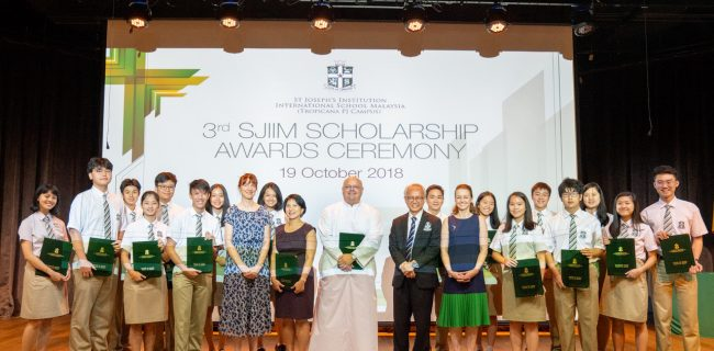 SJIIM celebrates its third batch of IBDP Scholars
